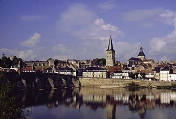 Charite sur Loire